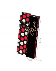 pack of red and white polka dotted chain boxes
